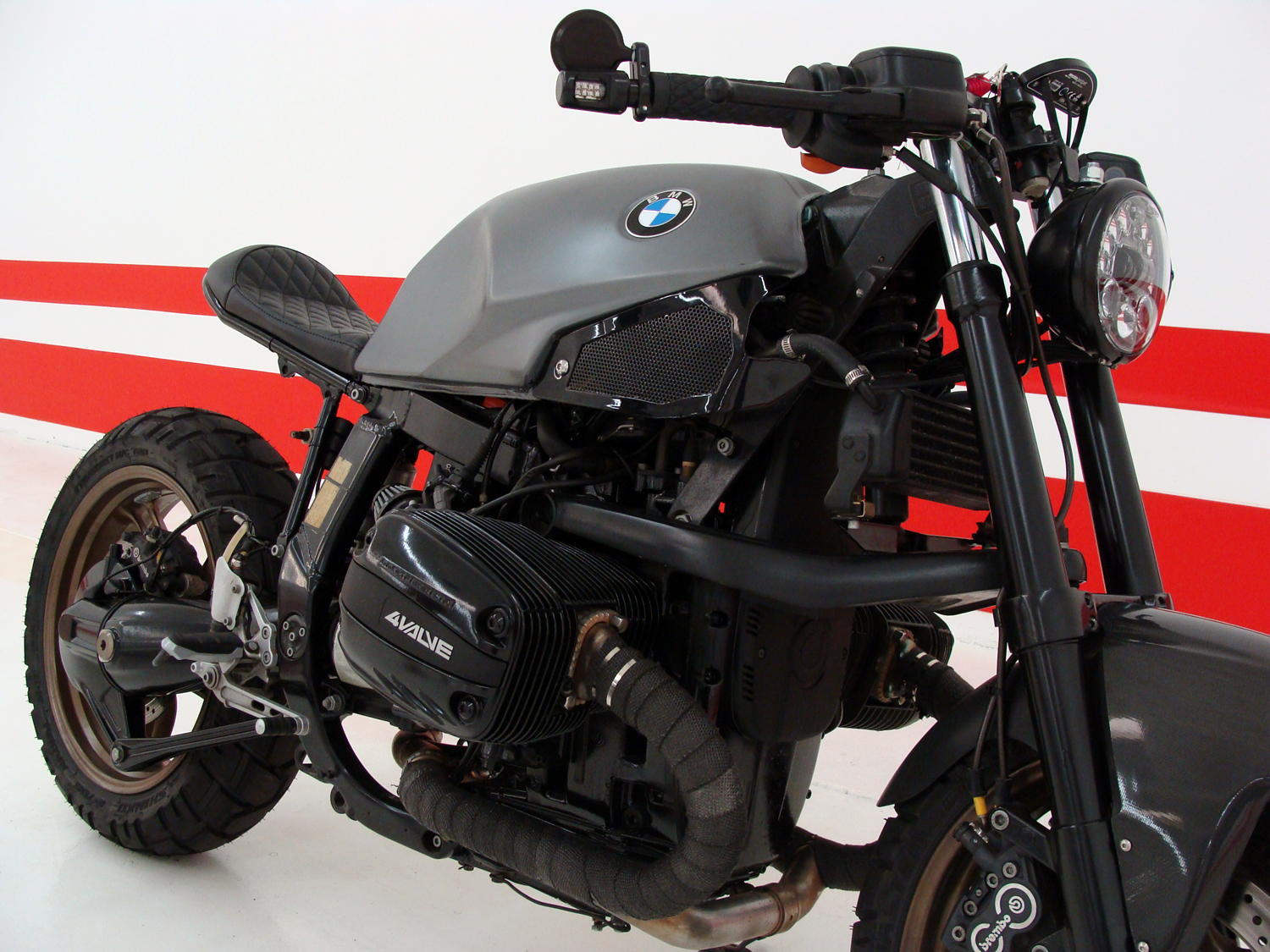 BMW R1100S Custom Cafe Build